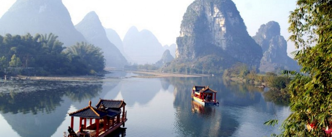 Yangtze River small boats A1280